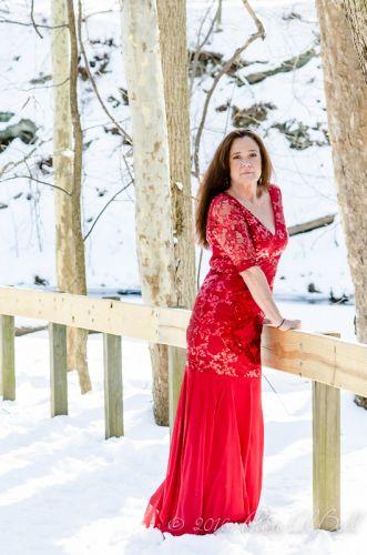 Cleveland Photographer photographs red dress 6