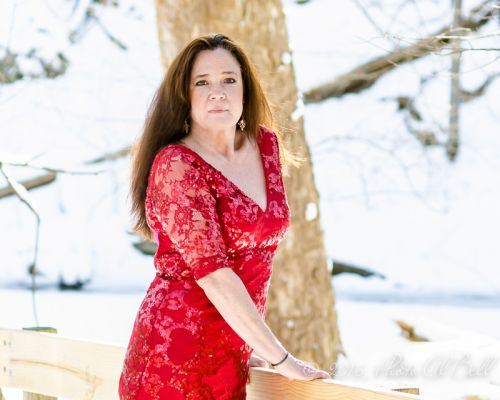 Cleveland Photographer photographs red dress 7