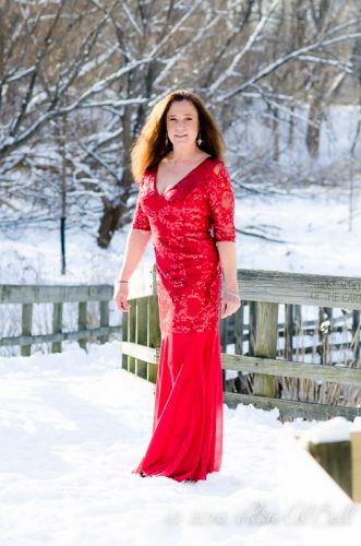 Cleveland Photographer photographs red dress 11